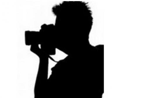Homem é flagrado filmando partes íntimas de menina de 11 anos no Centro de BH